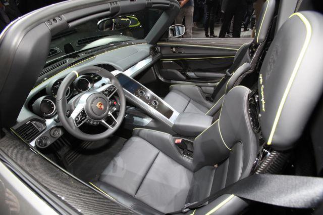 2018 porsche spyder. delighful porsche 2018 porsche 918 spyder plugin hybrid interior with porsche spyder