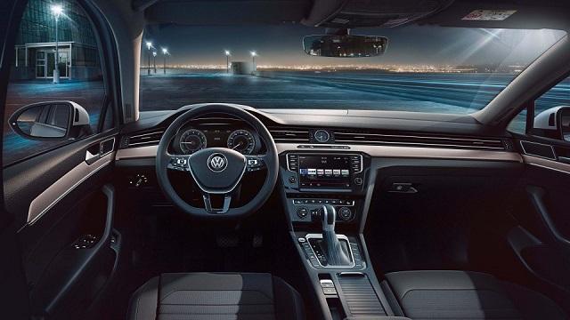 Volkswagen passat gte 2018 test drive 2018 2019 new for Volkswagen passat interior